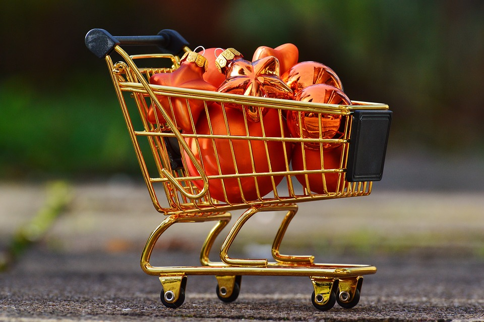 Christmas grocery sales 'robust' as retail declines